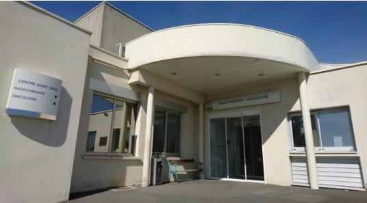 Entrée pôle traitement Centre Saint Jean Bourges, Centre Saint-Jean